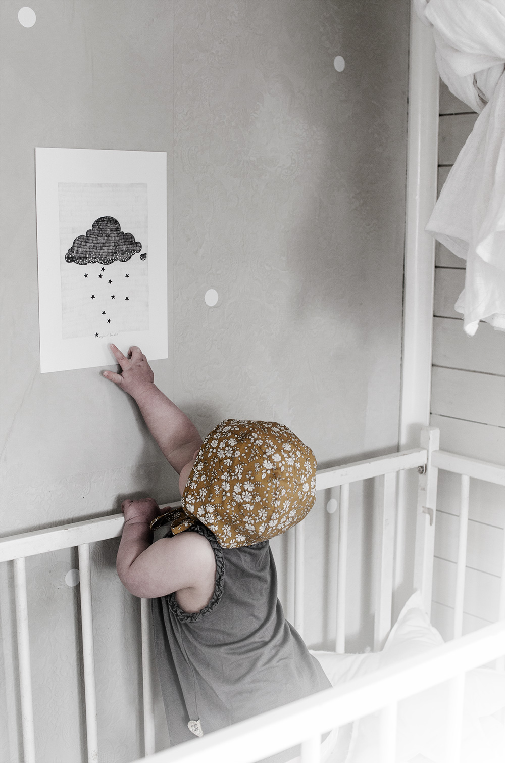 Baby bonnet, briar handmade, baby photography, senapsgul mössa, barn