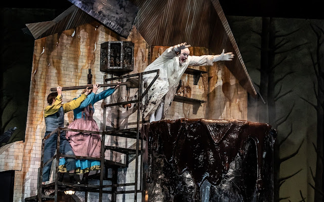 Humperdinck: Hänsel und Gretel - Hanna Hipp, Jennifer Davis, Gerhard Siegel - Royal Opera House (Photo Clive Barda/Royal Opera )