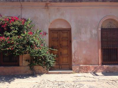 casas tipicas de colonia del sacramento