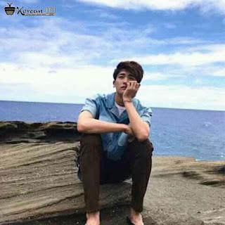 Foto Park Hyung Sik Keren Dipantai