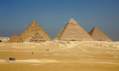 Συλλήψεις αρην Αίγυπτο για την πώληση λίθων από τις Πυραμίδες της Γκίζας