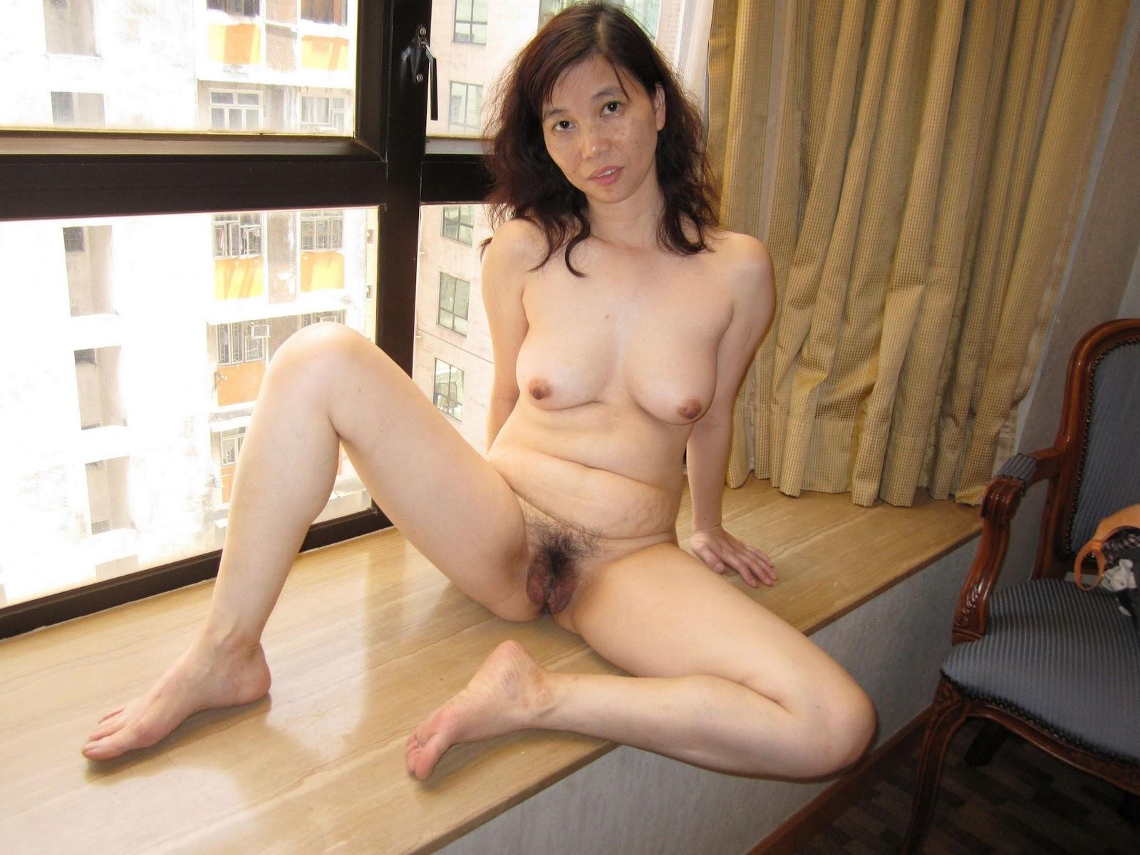 Milf naked asian Free Asian
