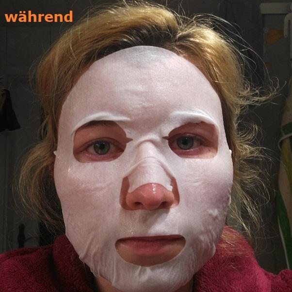 weiße Tuchmaske auf Gesicht aufgelegt