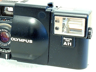 Olympus XA, dedicated flash