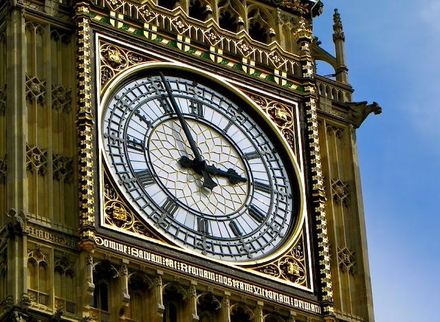 Menara Jam Raksasa Big Ben, Peninggalan Arsitektur Gotik di Inggris