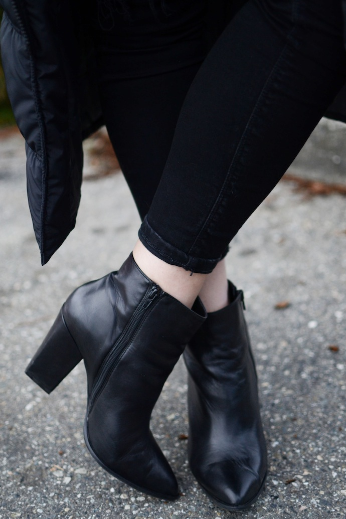 Le Chateau ankle boots