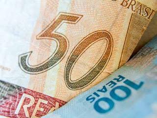 Menor reajuste desde 1994: Salário mínimo de R$ 954 entra em vigor