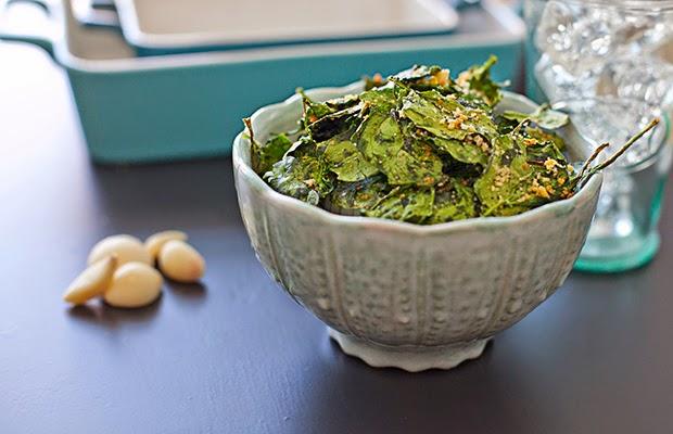 http://kristaandmichele.com/garlic-bread-spinach-chips/