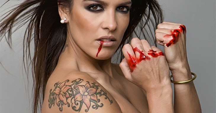 Lorena Castell Se Desnuda Para Torito En Primera Línea