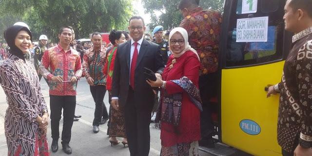 """Ardi Wirda : Tingkah Polah Relawan Jokowi yang Menyoraki Anies-Istri Saat Dipesta Pernikahan Sebagai Pokal Para """"Pecundang Pilkada"""""""