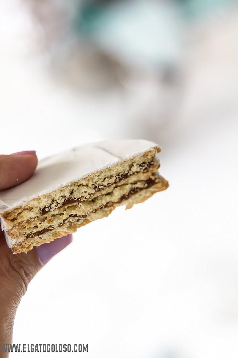 El gato goloso - Alfajores super fáciles de galletas María