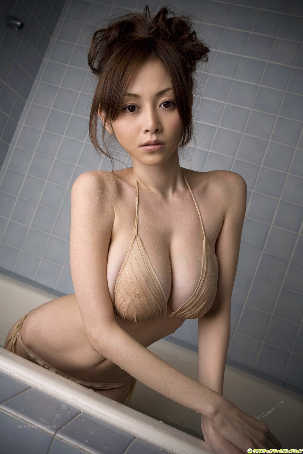 Japanese large breasts