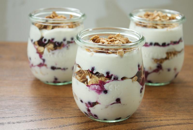 Make Ahead Yogurt Parfaits || A Less Processed Life