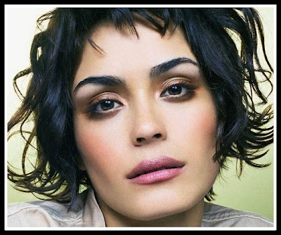 Shannyn Sossamon: Square face with soft angled thick eyebrows