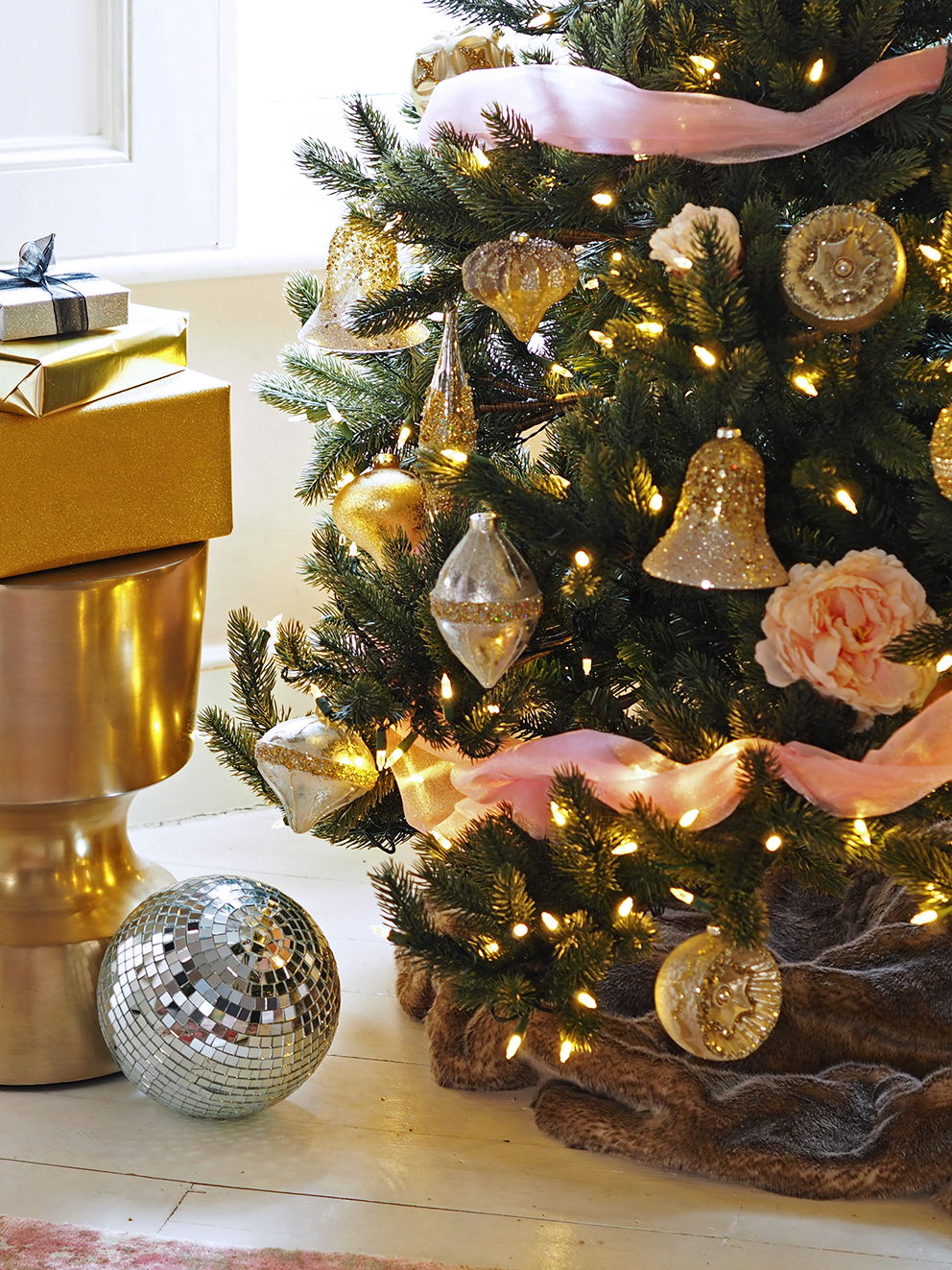 French For Pineapple Blog - Trees & Baubles Balsam Hill Christmas Blog Hop - medium shot of christmas tree with gold glitter baubles and fairy lights with gold and silver wrapped presents.