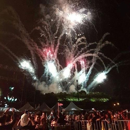 video percikan bunga api sempena sambutan ambang merdeka 2016, persembahan bunga api malam kemerdekaan malaysia 31 ogos 2016 kali ke-59, pertunjukan bunga api hari kebangsaan malaysia 2016