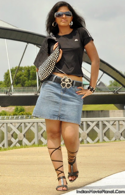 actress anjali hot navel thigh show old hot photo shoot stills