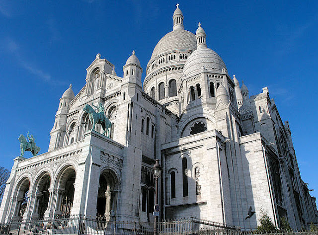 Welcome to the 'City of Light'—Paris, France, and Sacre Couer. Is this inspiration enough? Photo: WikiMedia.org.