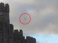 UFO Terlihat di Atas Benteng Terkenal di Wales