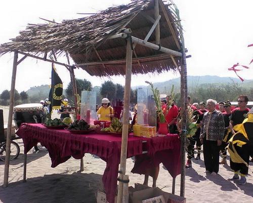 Travel.Tinuku.com Yogyakarta Chinese Culture Week, annual festival of Chinatown Kampung Ketandan in Malioboro street