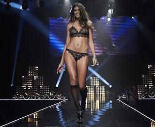 Rossi's model girlfriend Linda