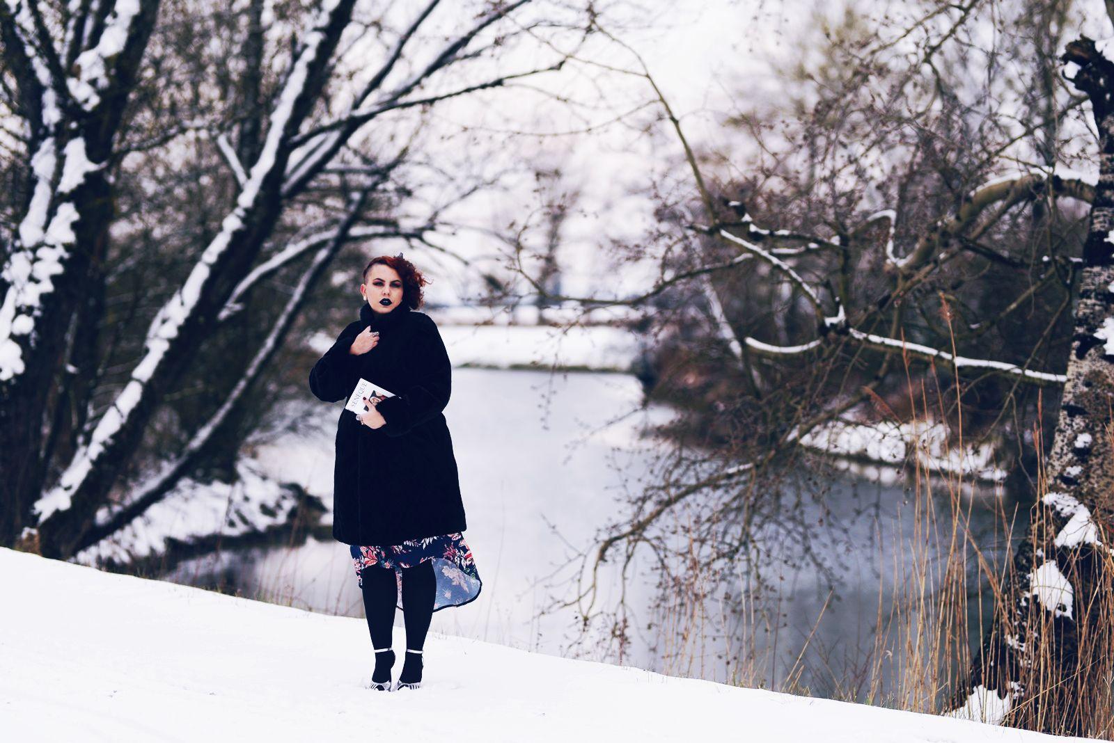 manteau vintage en fousse fourrure