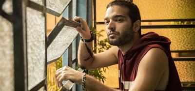 Amor de Mãe: Sandro detona 'mãe monstro' e vai morar com pai milionário