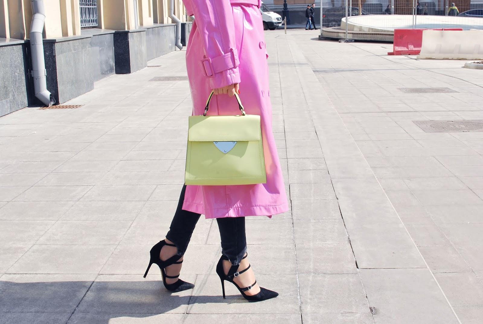 сочетание розового и зеленого цвета в одежде