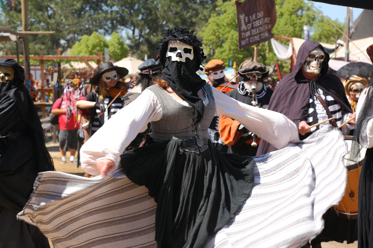 Renaissance Fairs: Travelbynic: Renaissance Pleasure Faire