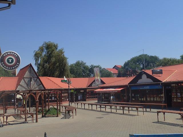 Targowisko (?) w Jaszbereny - centralne Węgry