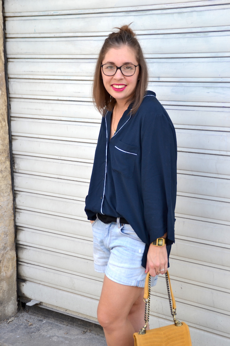 chemisier pyjama H&m, short en jean H&M, sac jaune moutarde zara