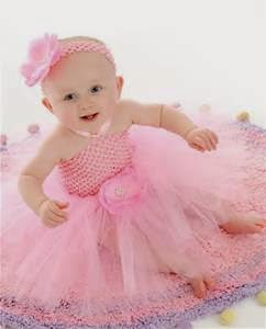 foto cantik bayi perempuan memakai gaun