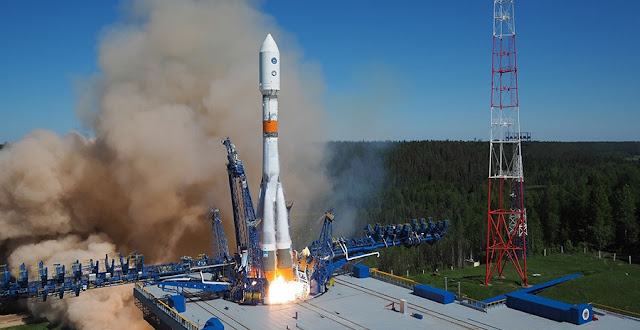 Soyuz-2.1b blasts off from Plesetsk with Russia's latest GLONASS-M navigation satellite on May 29. Credit: mil.ru