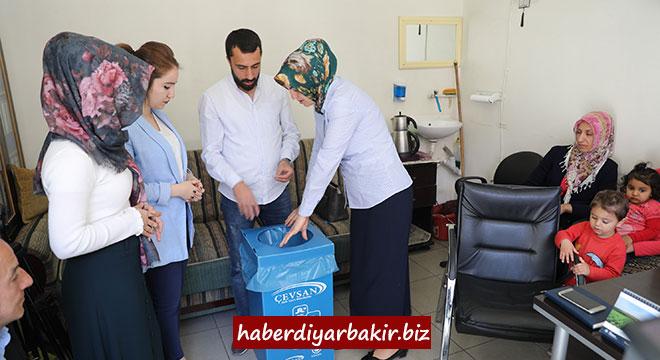 Diyarbakır'da muhtarlıklara geri dönüşüm kutuları bırakıldı