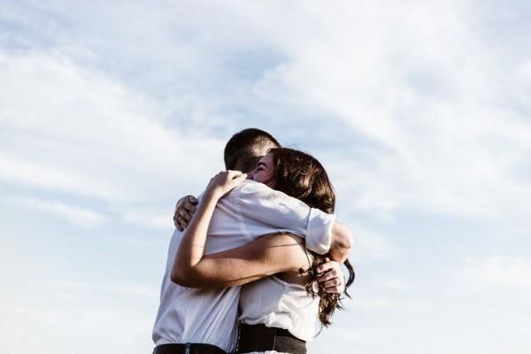 5 Sikap yang Menandakan Sebenarnya Kamu Gak Siap Menjalani LDR