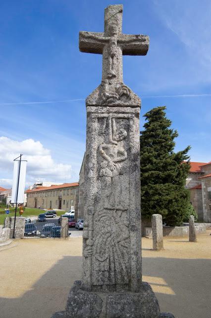 El crucero del Señor del Gallo, Museo Arqueológico de Barcelos. El gallo de Portugal