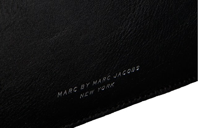 SIMPLY MARC BY MARC JACOBS