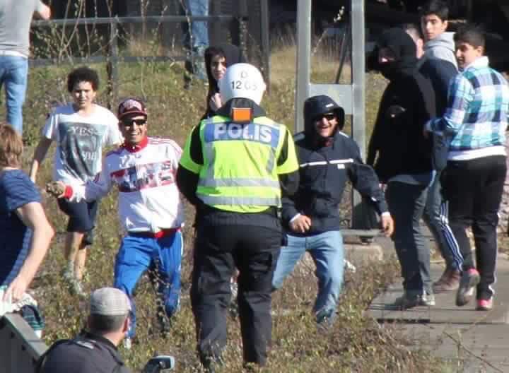 Bildresultat för attacker mot blåljuspersonal polis förlorat kontrollen