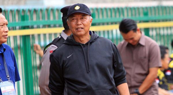Waduh! Pelatih Persegres Dukung Liga 1 Tanpa Degradasi