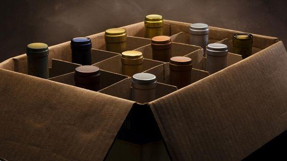 Las cajas de botellas suelen ser económicas debido al bajo costo del cartón.