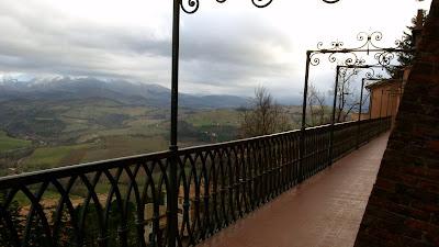 Giglio cooking school camerino for 400 university terrace