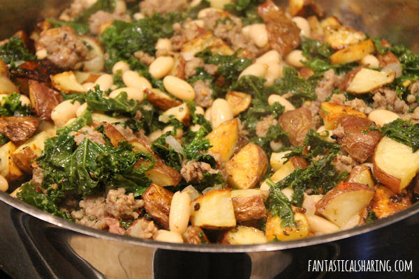 Sausage & Kale with Garlic Roasted Potatoes #maindish #recipe #potato #kale #sausage