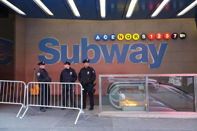 Neoyorquinos viven lunes caótico por atentado en el Subway