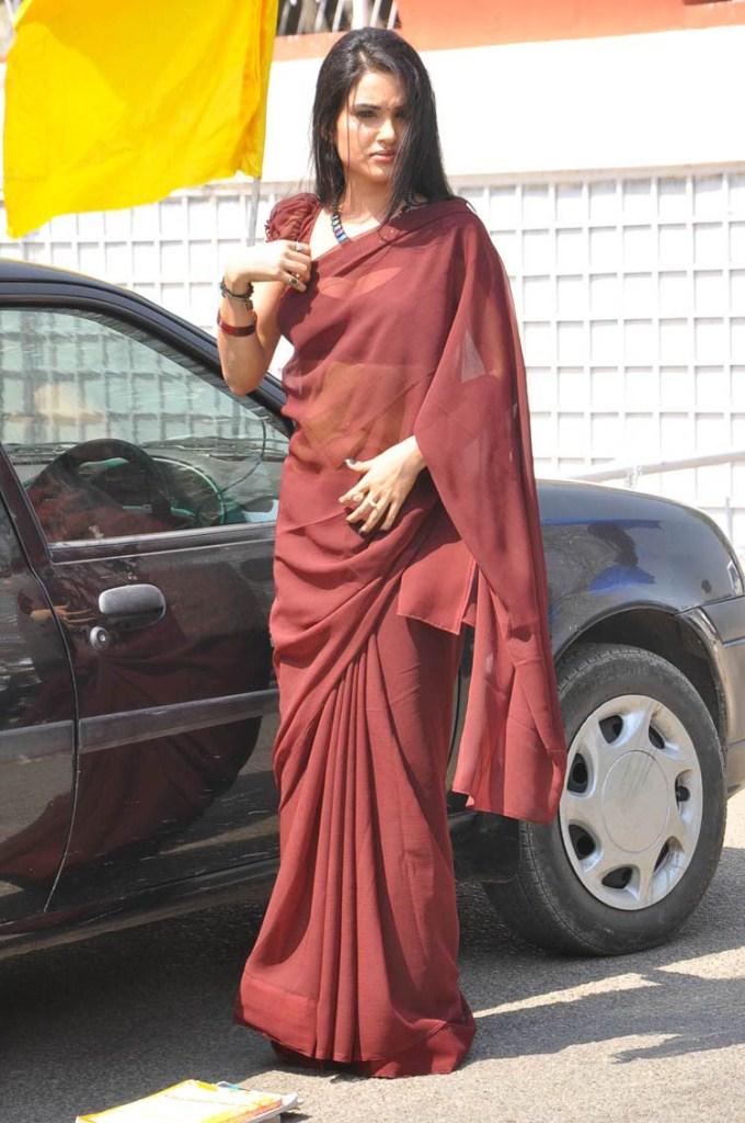 T Alphabet Wallpaper Hd Kavya Singh Hot Photos From I Love You Teacher Tamil Movie