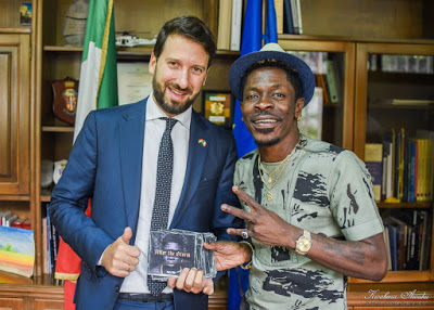 Shatta Wale Discusses Partnership With The Italian Embassey