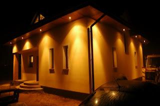 Oswietlenie Domu Na Zewnatrz W Podbitce