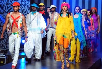 FASHION-PAKISTAN-FAIZA