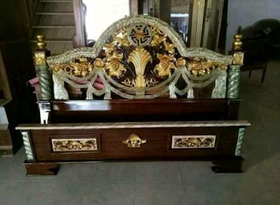 tempat tidur tiara