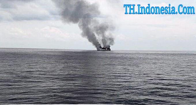 Kapal KPLP Evakuasi Seluruh Penumpang Kapal Terbakar di Perairan Pulau Karimun Jawa