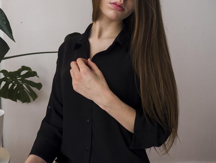 tania czarna koszula